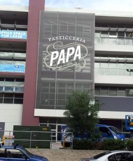 Papa's 3D logo on warehouse